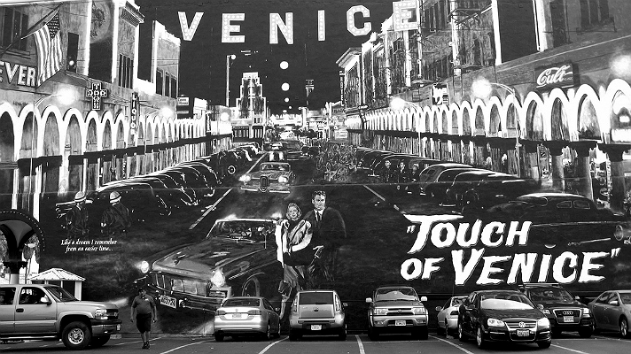 touch-of-venice-mural